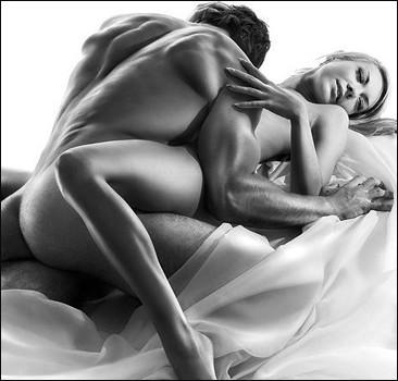 vérité sexuelle: couple au lit