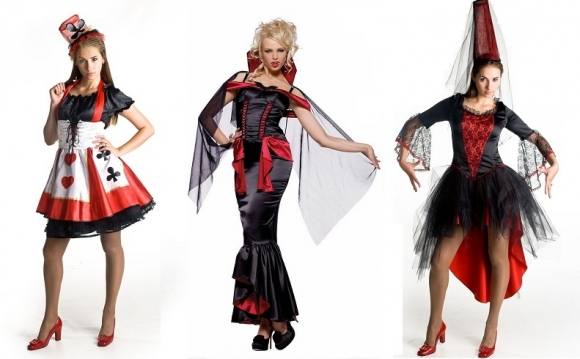 costumes femme sexy reine de coeur pour Halloween