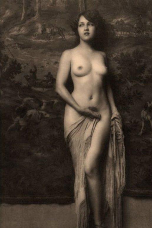 Фото женщины 20 века голые