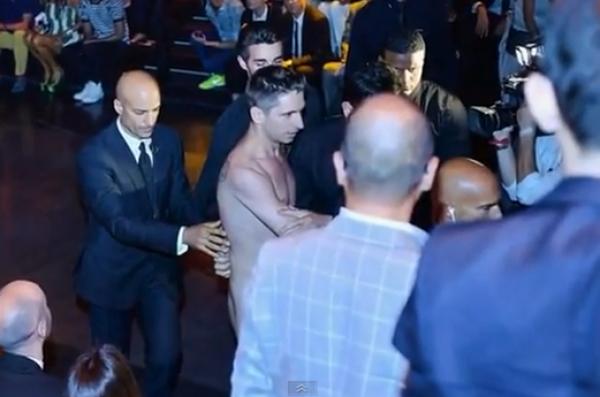 Homme nu au défilé de Dolce&Gabbana