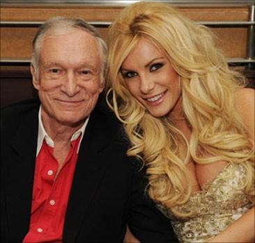 L'ex-fiancée du fondateur Playboy dévoile leurs relations